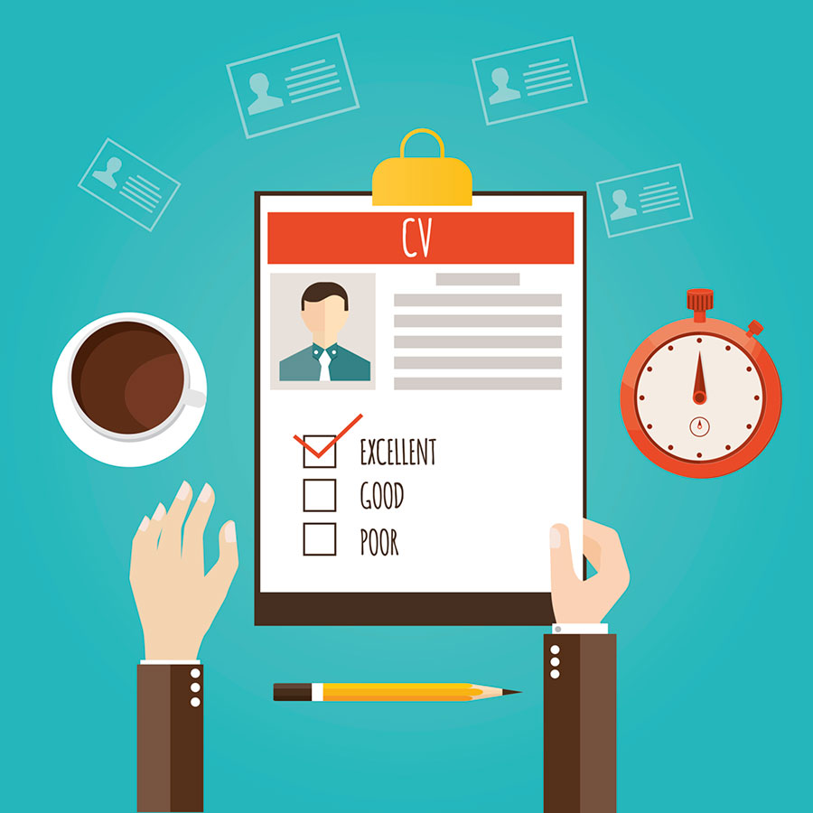 How many people should be involved in the interview process